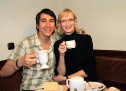 kaffee-und-kuchen-mit-austauschschueler